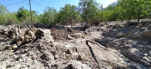 بررسی وضعیت مناطق آسیب دیده از سیل شهرستان بافت